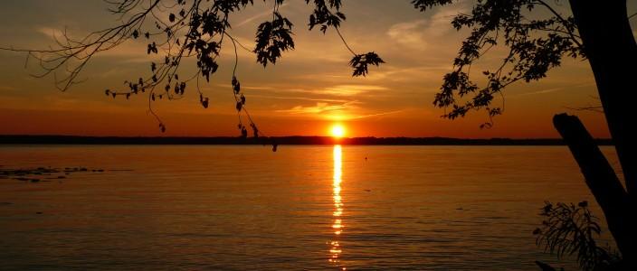sunset-on-the-mississippi-1366869